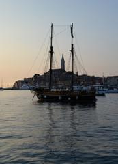 Boot bei Rovinj, abneds