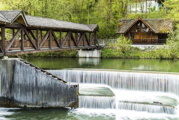 Wolfratshausen Wehr Wasserstufen mit Langzeitbelichtung