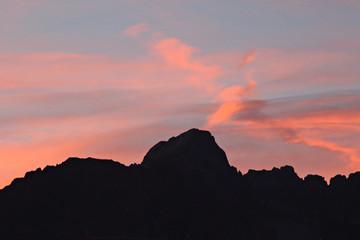 coucher de soleil dans les alpes