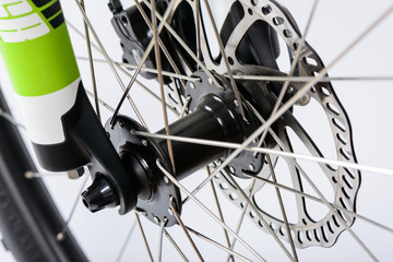 hydraulic disk brake and wheel hub