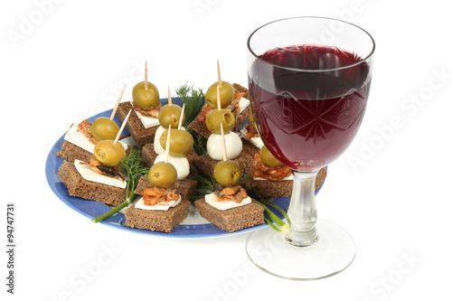 Canape and red wine photo libre de droits sur la banque for Canape wines