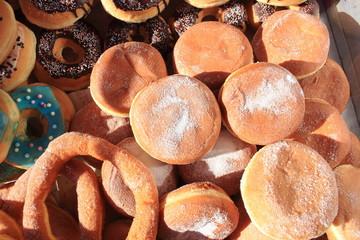 krapfen bomboloni biscotti