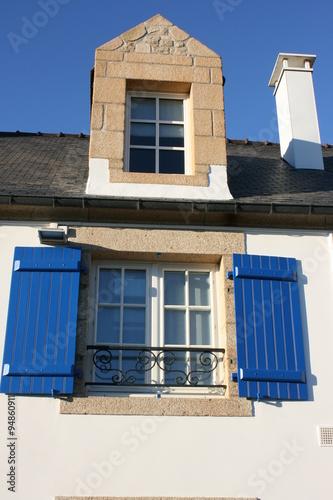 Fen tre et lucarne maison bretonne de l 39 lot saint cado for Fenetre lucarne