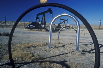Oil well at Taft in the Central Valley, CA