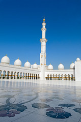 Central court of Sheikh Zayed Grand Mosque