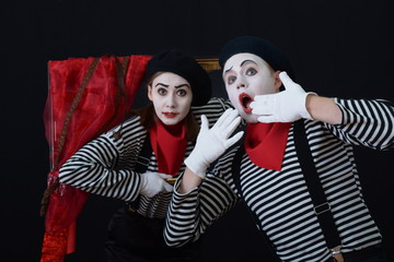 MIME in a picture frame