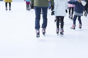 冬イメージ スケートする人々