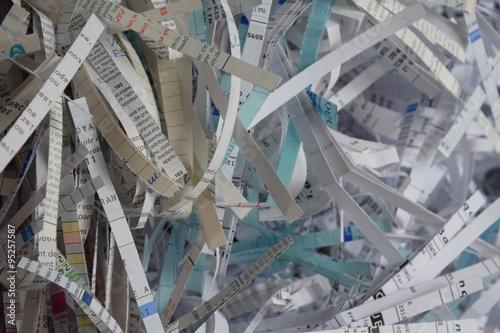 recyclage papier papier pass au destructeur stock photo and royalty free images on fotolia. Black Bedroom Furniture Sets. Home Design Ideas