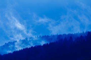 Frühnebel über dem Wiehengebirge