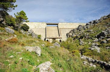 Presa del Fresnillo, Parque Natural Sierra de Grazalema, provincia de Cádiz, España