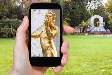 snapshot of Johann Strauss statue in Vienna