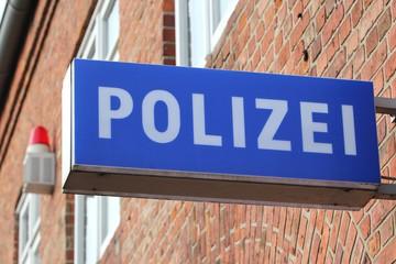 Schild an einer deutschen Polizeiwache