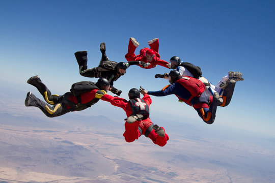 Skydiving star teamwork