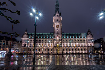 hamburg city hall at night in xmas time