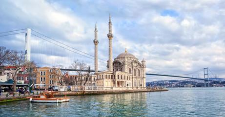 Deurstickers Turkije Ortakoy mosque and Bosporus bridge on European side in Istanbul, Turkey