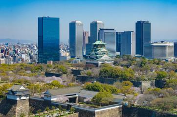 春の大阪城とOBP