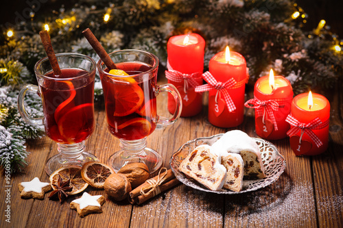 weihnachten gl hwein adventskerzen stockfotos und. Black Bedroom Furniture Sets. Home Design Ideas