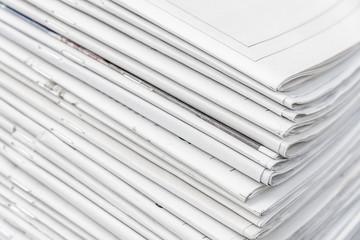 pile de journaux, presse, dossiers