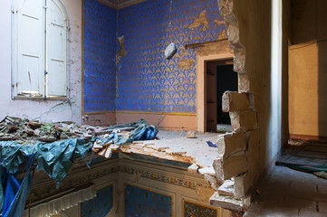 abandoned villa after earthquake - italy