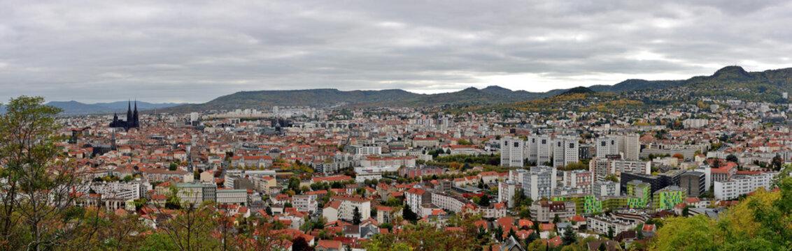 Panorama de Clermont-Ferrand en automne