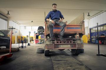 Mechanic working in the garage