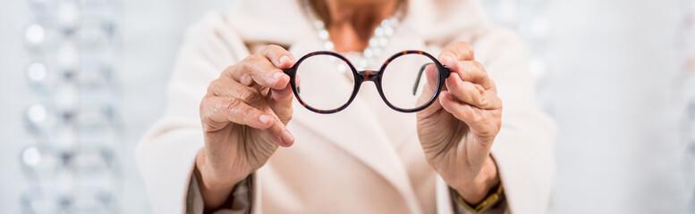 Round black frame glasses
