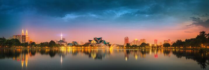 Fotorolgordijn Kuala Lumpur Kuala Lumpur night Scenery, The Palace of Culture