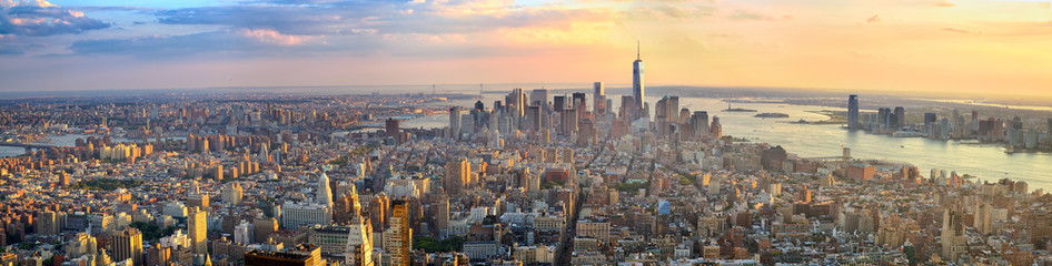 Fototapeten New York Manhattan panorama at sunset aerial view, New York, United States