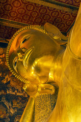 thai buddha statue at wat pho temple