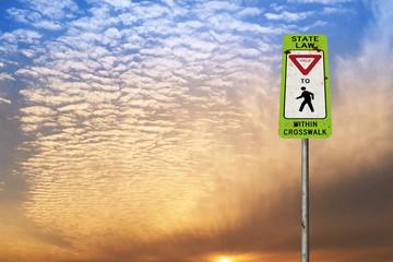 미국 도로 표지, 사람우선