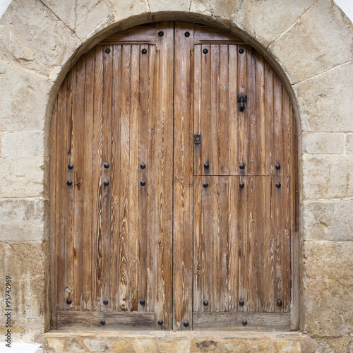 Puerta de madera con arco de medio punto imagens e - Arcos de madera para puertas ...