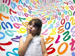 Little girl do not know how to solve an arithmetic problem