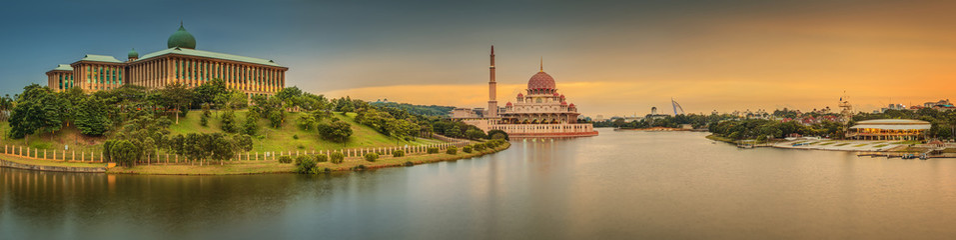 Aluminium Prints Kuala Lumpur Sunset over Putrajaya Mosque and Panorama of Kuala Lumpur