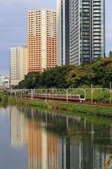 外堀と飯田橋の高層ビル