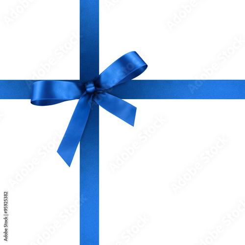 blaue geschenkschleife und geschenkband aus blauem satin geschenk schleife band isoliert. Black Bedroom Furniture Sets. Home Design Ideas