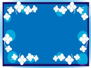 青の枠にクローバーを添えて
