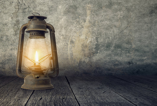 Old Lamp in a dramatic scene, Fanoos