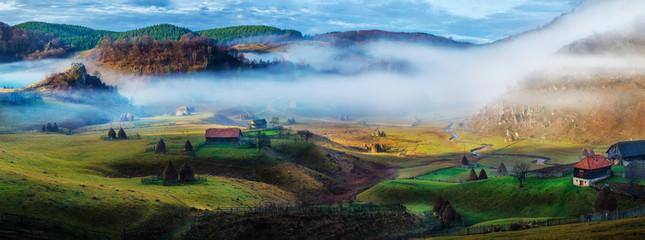 Spoed Fotobehang Blauw Rural mountain landscape in autumn morning - Fundatura Ponorului, Romania