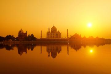 Taj Mahal from yamuna river view Fototapete