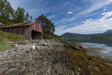 Hütte am Fjord