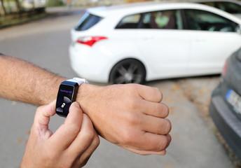 Auto mit Smartwatch automatisch ausparken lassen 3