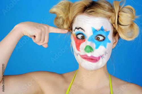 Clown mit schminke ist albern lustig und verr ckt for Clown schminken bilder