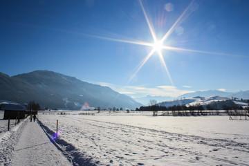 Winterlandschaft, Spazierweg