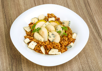 Risotto with pear and cheese