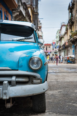 Poster Havana Old american car on street in Havana,Cuba