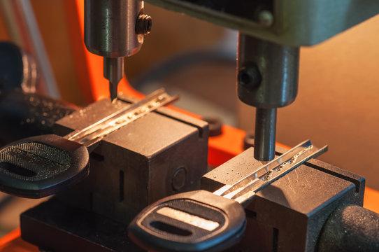 machine makes keys
