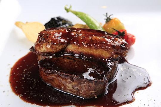 牛フィレ肉とトリュフのソテー