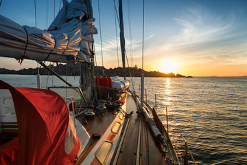 Fototapete - sunset from sail boat