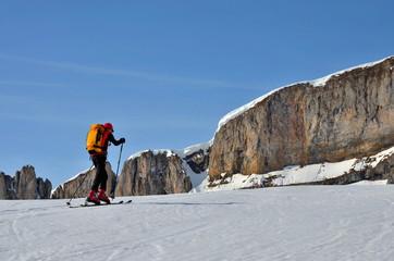 Skibergsteigen im Aufstieg im Hochgebirge