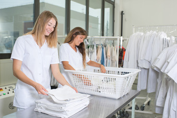 laundry girls